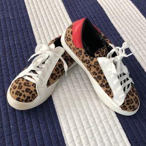 Non athletic fashion sneakers